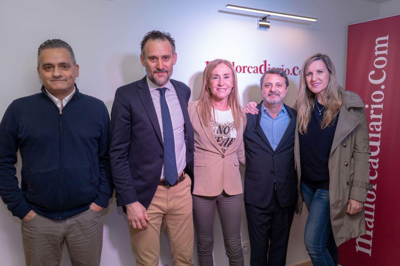 El director de Preferente, Juan Mestre, y la periodista Àngela Seguí