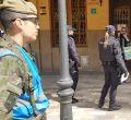 Militares patrullando por Manacor para informar del Covid 19