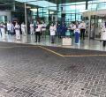 Los sanitarios homenajean a los médicos fallecidos por el coronavirus