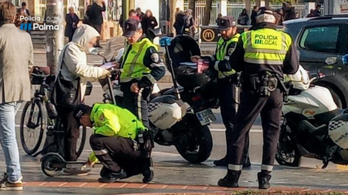 Patinetes eléctricos: la Policía de Palma interpone 73 denuncias en una semana por circular por la acera