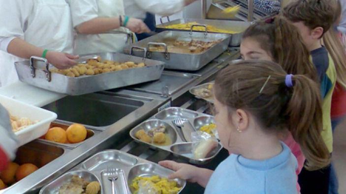 El govern convoca con 2 meses de retraso las ayudas de for Ayudas para comedor escolar