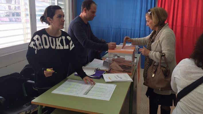 La participación en Balears llega al 35,16% hasta las 14 horas