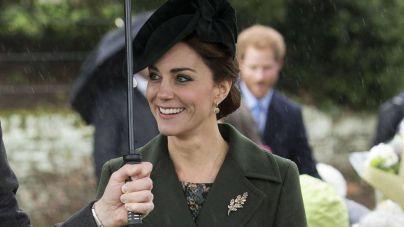 Kate Middleton deslumbra de verde navideño