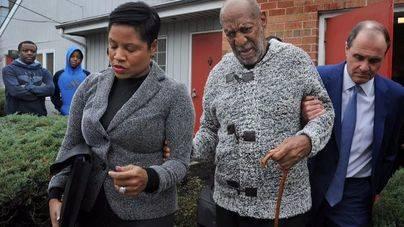 Bill Cosby, arrestado por agresión indecente