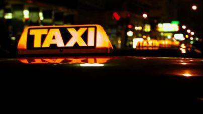 Herido grave un hombre tras caer del techo de un taxi en marcha