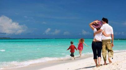 El 62% de los españoles no quiere viajar con sus hijos