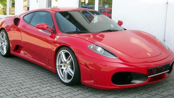 La Bolsa de Milan suspende la cotización de Ferrari el día de su debut