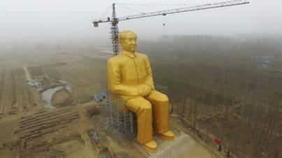 China construye una gran estatua de Mao de más de 36 metros