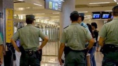 Detenido un hombre que intentó abrir la puerta del avión en pleno vuelo Palma-Eivissa