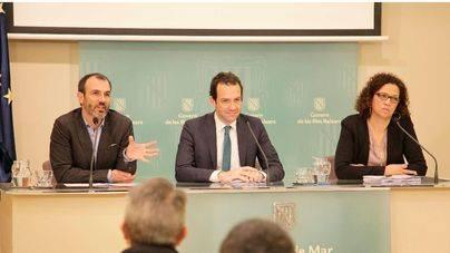 Los consellers Barceló, Pons y Cladera