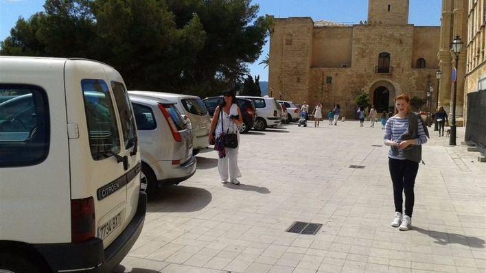 Cort aplaza al 1 de febrero la prohibición de aparcar en el Mirador de la Seu
