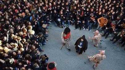 Sant Antoni y El dimoni toman los pueblos de Mallorca
