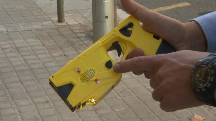 Sindicatos policiales reclaman pistolas Taser para Baleares