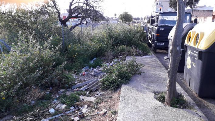 Emaya retira 900 toneladas de escombros de solares y 643 de calles y caminos