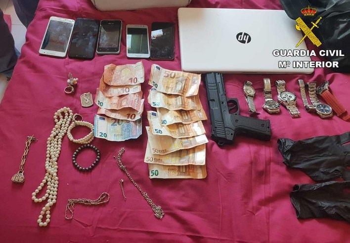 Desarticulada una organización criminal que robaba en viviendas de Ibiza