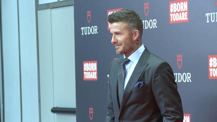 David Beckham regresa muy sonriente a Madrid