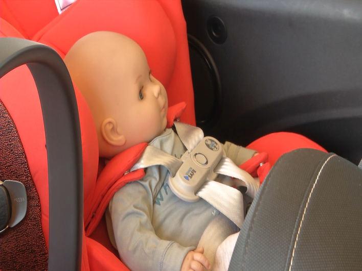 Se presenta un innovador sistema para evitar olvidos de menores en los vehículos