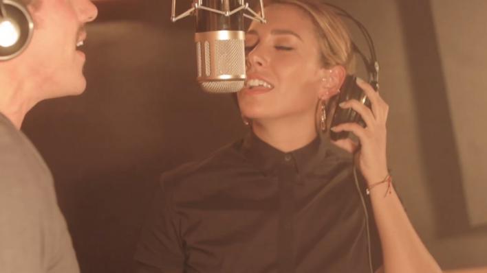 Blanca Suárez derrocha voz en el videoclip 'Luna llena'