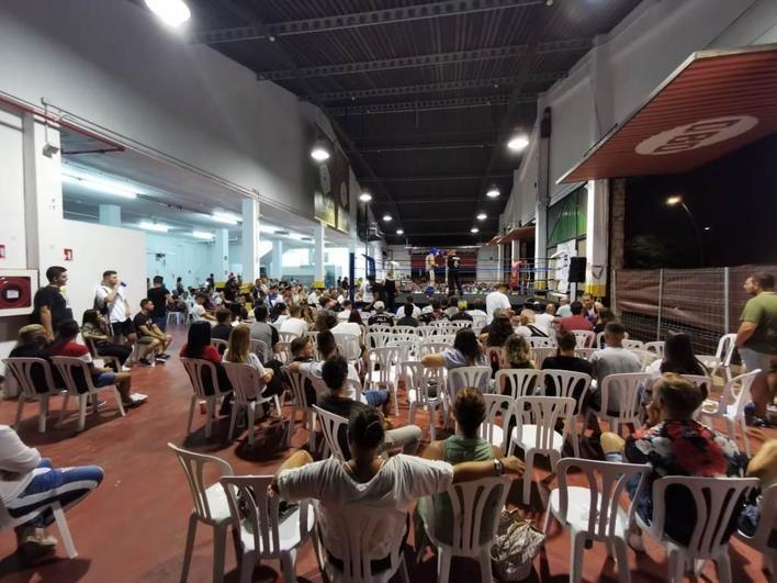 La Policía levanta un acta por la asistencia de siete menores a un combate de boxeo en Palma