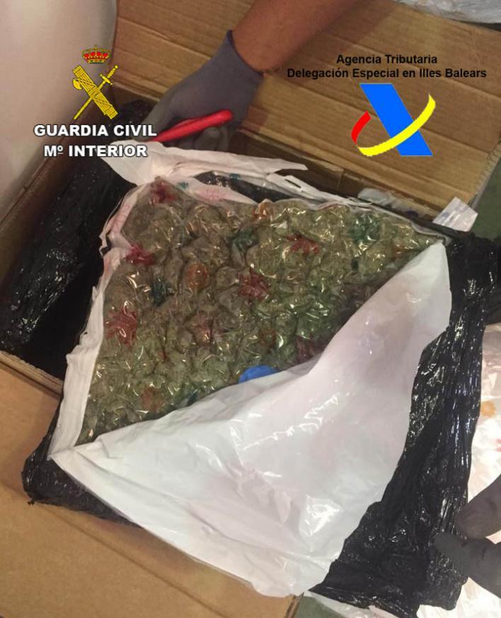 Arrestados en Palma por enviar marihuana a través de una empresa de paquetería