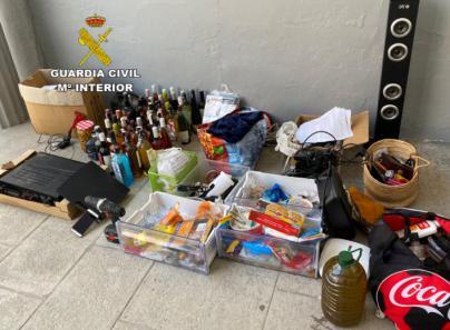 Dos detenidos en Santa Margalida por robar productos de hostelería de una vivienda y una nave
