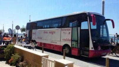 El autobús para hacer donación de sangre visita Eivissa