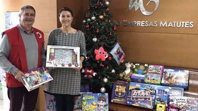 Los trabajadores de Grupo Palladium donan juguetes a Cruz Roja