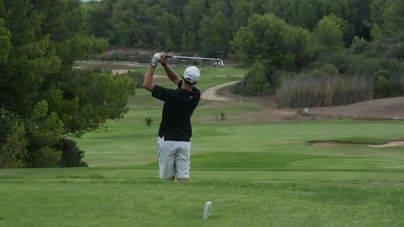 Los masones recaudan 860 euros contra el cáncer con un torneo de golf
