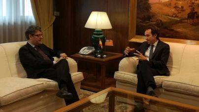 Madrid estudiará la alternativa al tendido eléctrico de Es Fornás