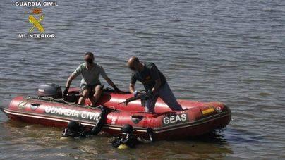 Encontrado el cadáver de un hombre flotando en el mar