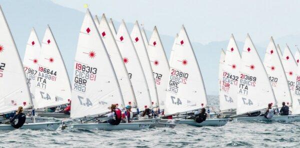 Regatistas del Club Nàutic S'Arenal participan en el Campeonato Europeo Juvenil de Laser 4.7