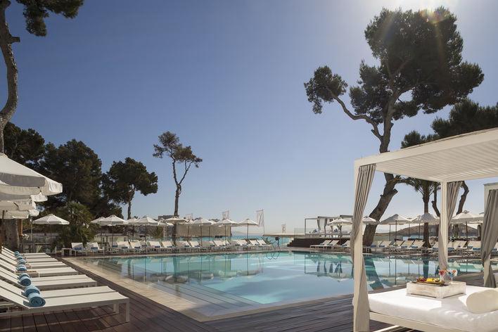 El hotel ME Mallorca celebra su apertura con una obra del mallorquín Joan Aguiló
