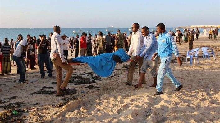 Ascienden a 17 los muertos en el atentado en una playa de Somalia