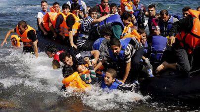 Al menos 22 fallecidos tras naufragar en Grecia dos embarcaciones