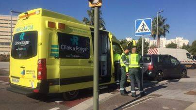 2 bebés y 3 adultos heridos en un choque entre dos coches en Palma