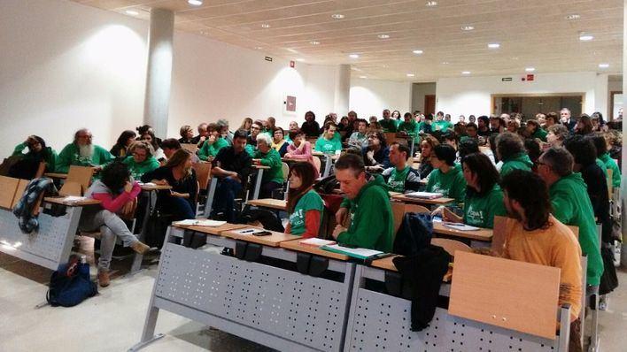 Los docentes anuncian una consulta para desconvocar la huelga