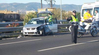 Un conductor kamikaze causa el pánico en la autopista del aeropuerto