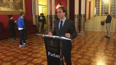 El diputado Álvaro Gijón ha presentado la propuesta del PP