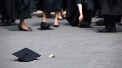 Uno de cada tres titulados universitarios está sobrecualificado