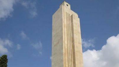 Cort se lleva el 'Premio Destrucción del Patrimonio' por querer derribar el monolito de Sa Feixina