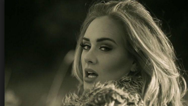 Adele es la Artista del A�o 2015
