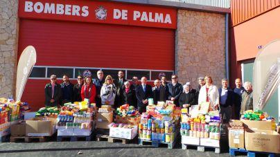 ASIMA ha donado 5 toneladas de alimentos y juguetes a 10 ONG
