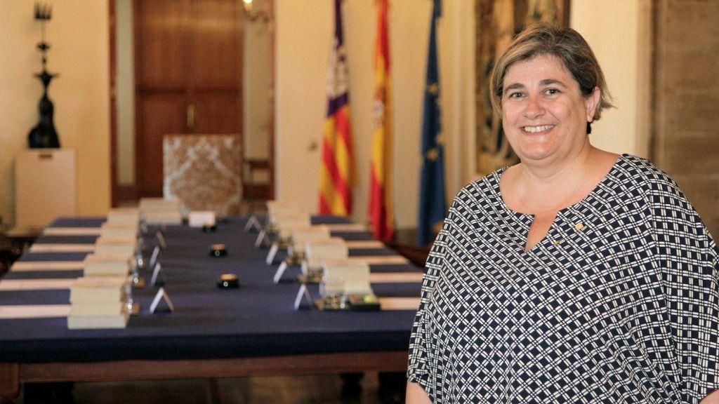 Esperança Camps anuncia una ley de consultas para 2017