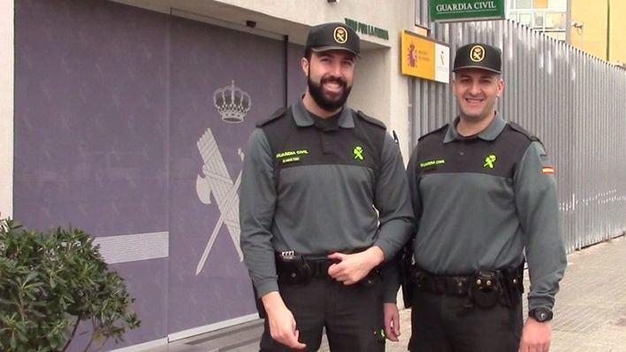 Dos guardias civiles salvan a un anciano que sufrió un infarto al volante en Artà