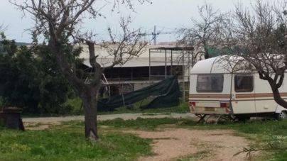 Caravana donde permanecieron encerrados los animales