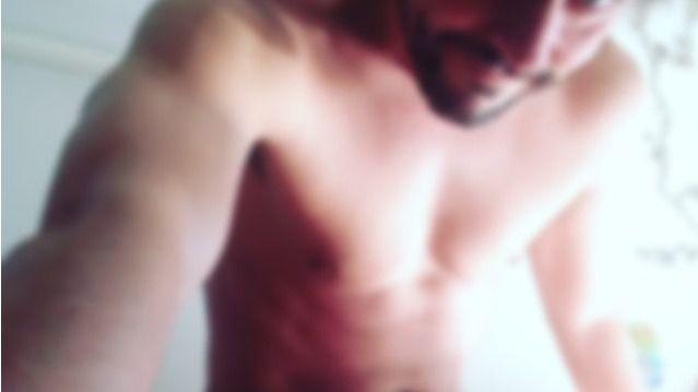 Paco Le�n vuelve a desnudarse en Twitter