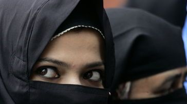 10 años sin entrar en España por obligar a una mujer a ponerse el velo