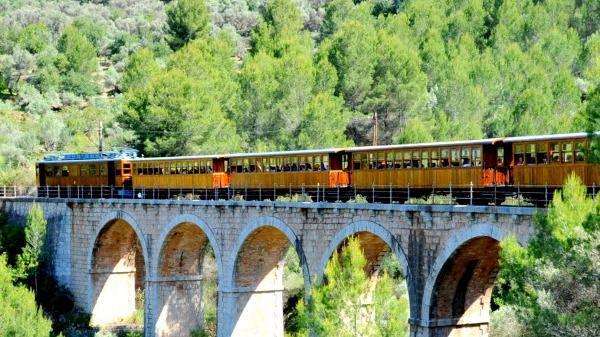 El Ferrocarril de Sóller, galardonado con el Premio Onda Cero al Turismo