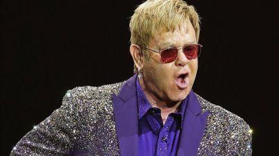 Elton John arremete contra Janet Jackson