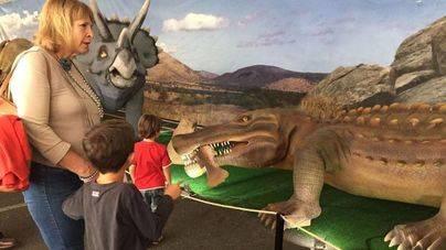 Expo Jurásico se queda una semana más en Palma